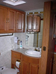 bathroom vanity & cabinets